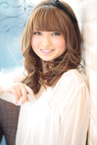 黒髪でも似合う!小顔髪型ゆるふわパーマヘアカタログ〜ラクラク可愛いアレンジ(え-076)
