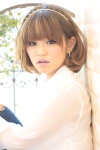 黒髪でも似合う!小顔髪型ゆるふわパーマヘアカタログ〜ラクラク可愛いアレンジ(え-081)