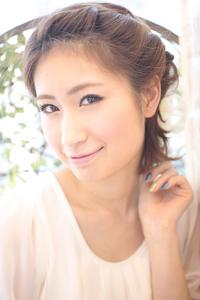 黒髪でも似合う!小顔髪型ゆるふわパーマヘアカタログ〜ラクラク可愛いアレンジ(え-083)