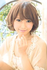 黒髪でも似合う!小顔髪型ゆるふわパーマヘアカタログ〜ラクラク可愛いアレンジ(え-093)