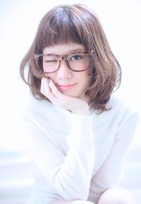 丸顔面長の悩みを解決出来るヘアスタイル027
