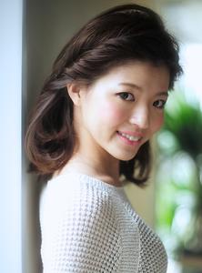 丸顔面長の悩みを解決出来るヘアスタイル028|Secretのヘアスタイル
