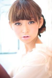 黒髪でも似合う!小顔髪型ゆるふわパーマヘアカタログ〜ラクラク可愛いアレンジ(え-015)