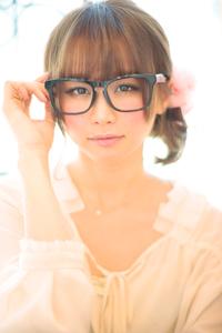 黒髪でも似合う!小顔髪型ゆるふわパーマヘアカタログ〜ラクラク可愛いアレンジ(え-028)