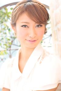 黒髪でも似合う!小顔髪型ゆるふわパーマヘアカタログ〜ラクラク可愛いアレンジ(え-053)