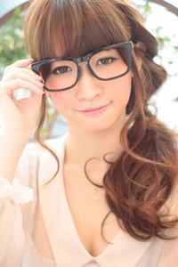 黒髪でも似合う!小顔髪型ゆるふわパーマヘアカタログ〜ラクラク可愛いアレンジ(え-054)