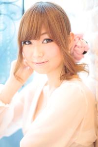 黒髪でも似合う!小顔髪型ゆるふわパーマヘアカタログ〜ラクラク可愛いアレンジ(え-067)