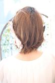 黒髪でも似合う!小顔髪型ゆるふわパーマヘアカタログ〜顔型別アレンジ編005