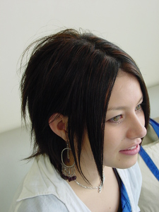 シャープな感じが大人っぽいミディアムボブ!!|SLUG+のヘアスタイル