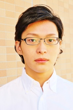知的なニュアンスを感じる! 大人のスマートメンズスタイル!|Tasha 池田 昭仁のメンズヘアスタイル