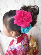 七歳は少し大人っぽく華やかに♪|トシちゃんの美容室のキッズヘアスタイル