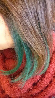 インカラーで個性的に。。。|トシちゃんの美容室のヘアスタイル