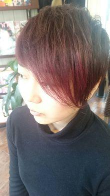 個性的!キュートで小顔効果バツグン♪レッド系アシメショート☆|トシちゃんの美容室のヘアスタイル