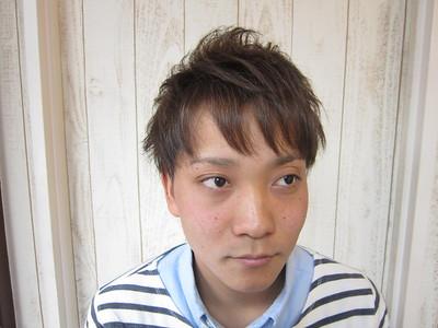 サイド刈り上げ、マッシュ系アッシュショート|トシちゃんの美容室のヘアスタイル