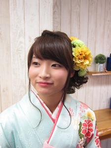 ビッグ編み込みの低めアップ☆|トシちゃんの美容室のヘアスタイル