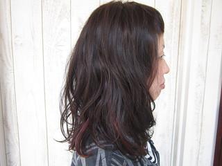 ストレートに少しウエーブをつけて、くせ毛風スタイルに。。。まとめ髪も可愛くアレンジできちゃう♪