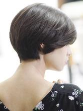 大人レイヤーボブ「モダンエレガンス×抜け感」|_TREEのヘアスタイル