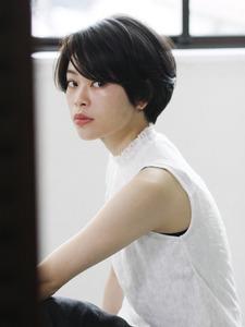 大人ショートボブ「ヴォアレ×抜け感」|_TREEのヘアスタイル
