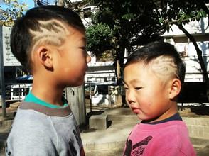 仲良し前田兄弟。カッコイイ!お似合いです!!!気をつけて滋賀に帰ってね!|Barber UTENAのキッズヘアスタイル