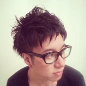 ツーブロ、パーマが決め手のラフショート★|verde brancoのヘアスタイル