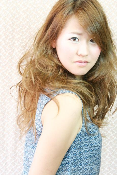 hair make vis-a-vis