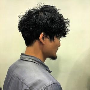 ランダムパーマで大人かっこいい|Y.S.PARK  ROPPONGIのヘアスタイル