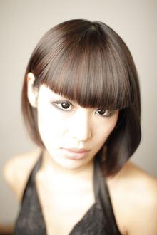 現代の強い女性をラインの強い重めのボブで!|Yutaka Hair 本店のヘアスタイル
