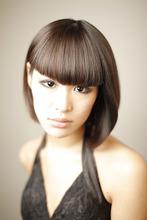 現代の強い女性をラインの強い重めのボブで!|Yutaka Hair 真美ケ丘店のヘアスタイル